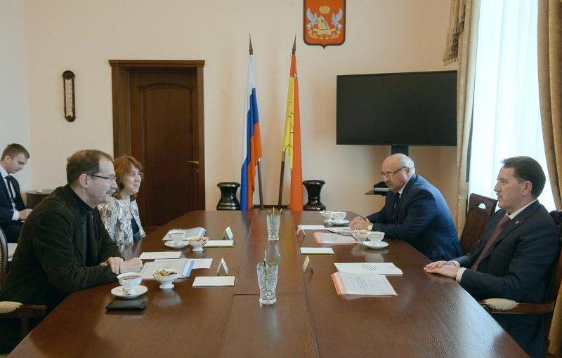 Губернатор Алексей Гордеев встретился с учеными ВГУ и НИУ ВШЭ