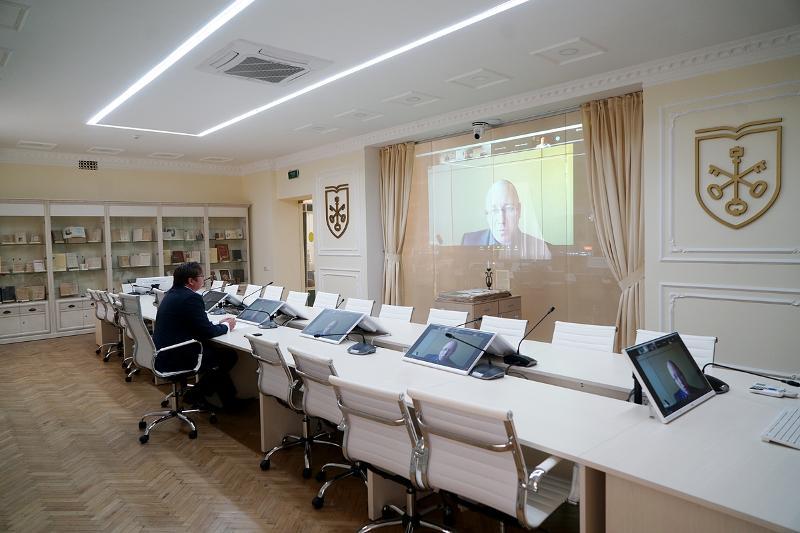 43-е заседание Школы-семинара имени академика Станислава Шаталина: формат меняется, но традиции остаются